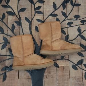 Ugg Classic Tan Boots Style # 5828  women's size 7